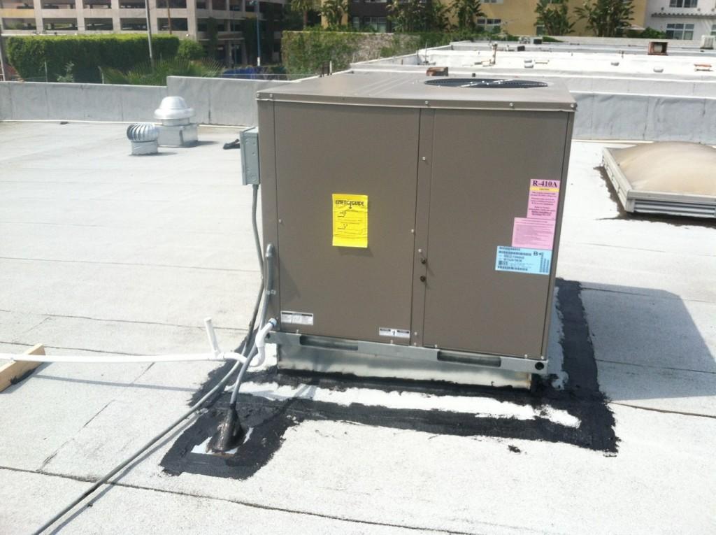 AC Repair Rooftop Setup Glendale